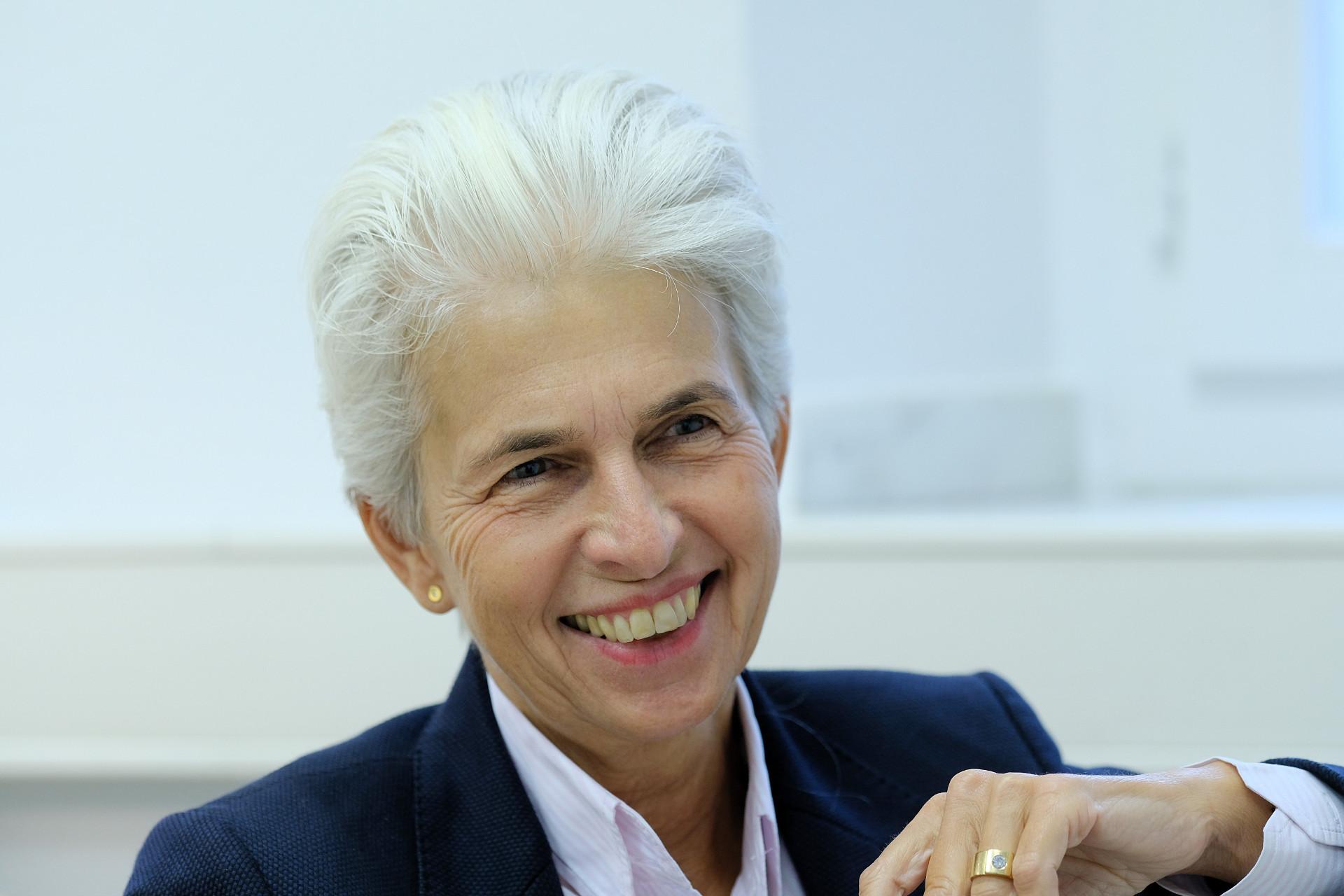 Dr. Strack-Zimmermann