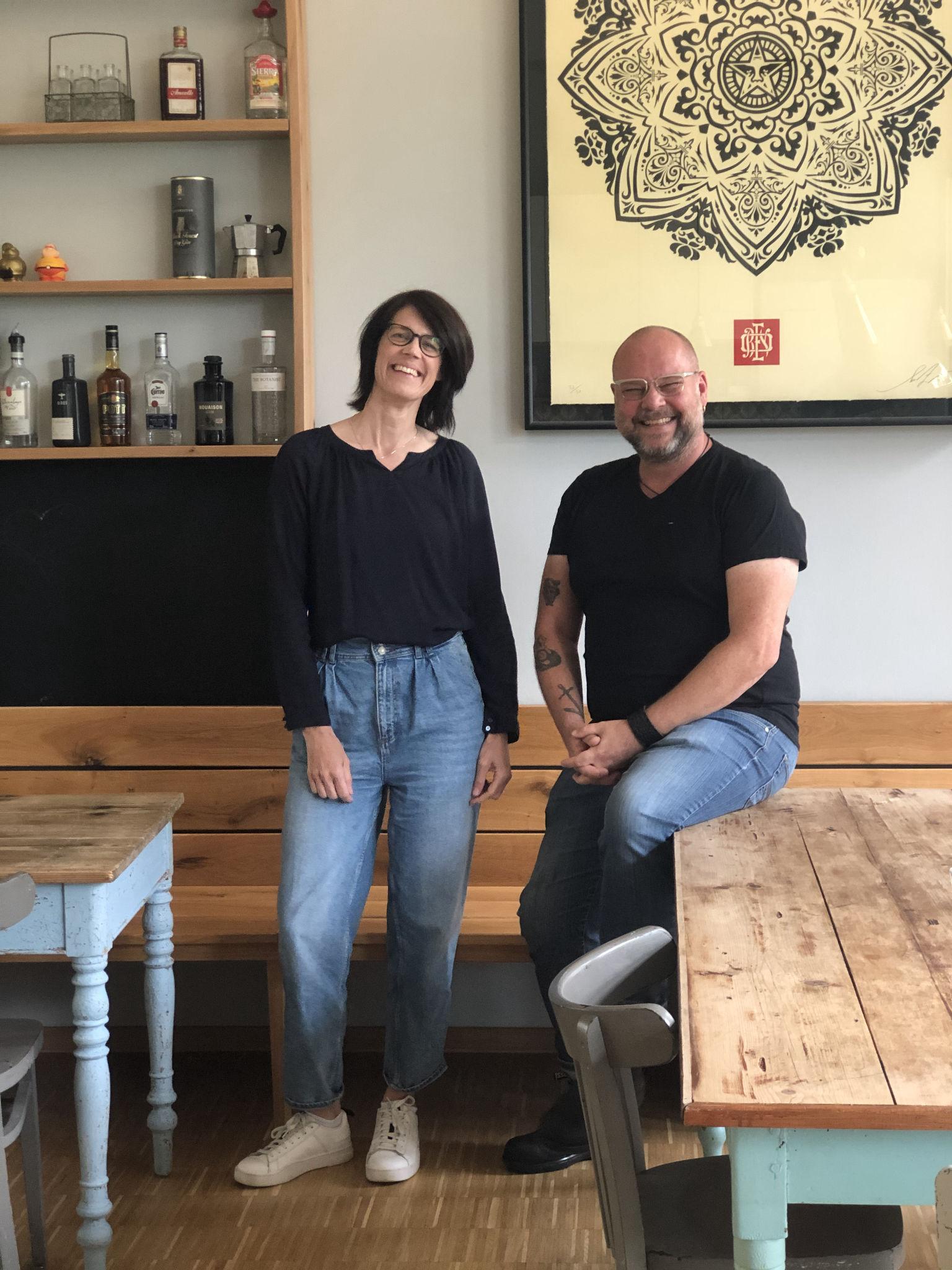 Britta Neisen und Ralf Neuhäuser in der Küche von K12